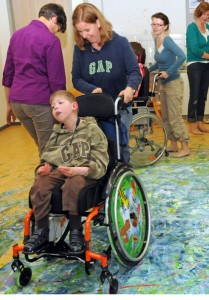 Kunst mit dem Rollstuhl